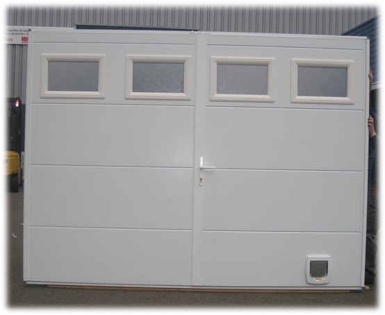 Porte de service isolée 40 mm deux vantaux avec 4 hublots